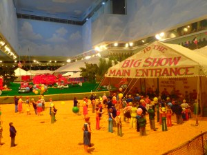 Mini-circus entrance.